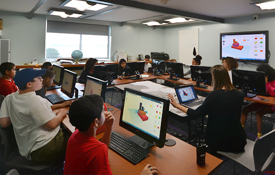 Campers using Tinkercad